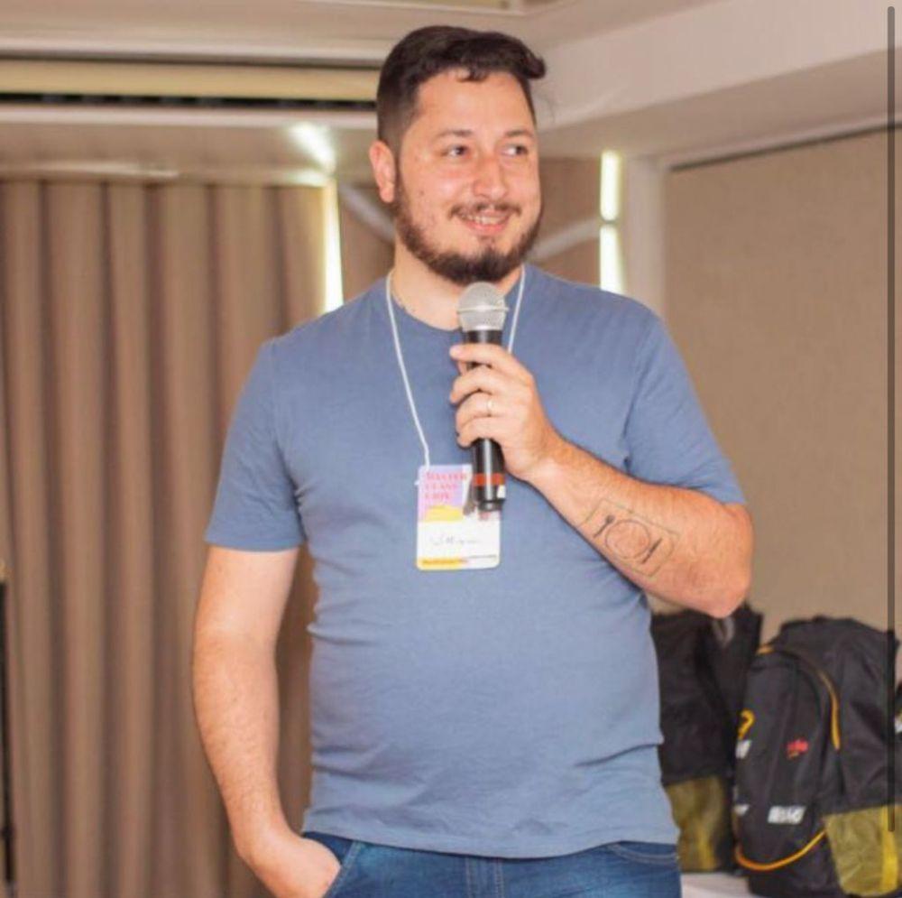 William Corrêa Netto Carias de Oliveira