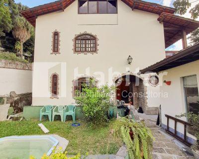 Casa em Excelente Rua da Mosela
