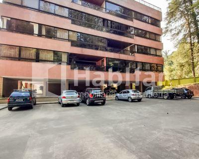 Excelente apartamento localizado no Bingen.
